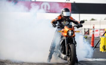 Harley Davidson Livewire Motorcycle Shows The Thrills Of Drag Racings Future 01