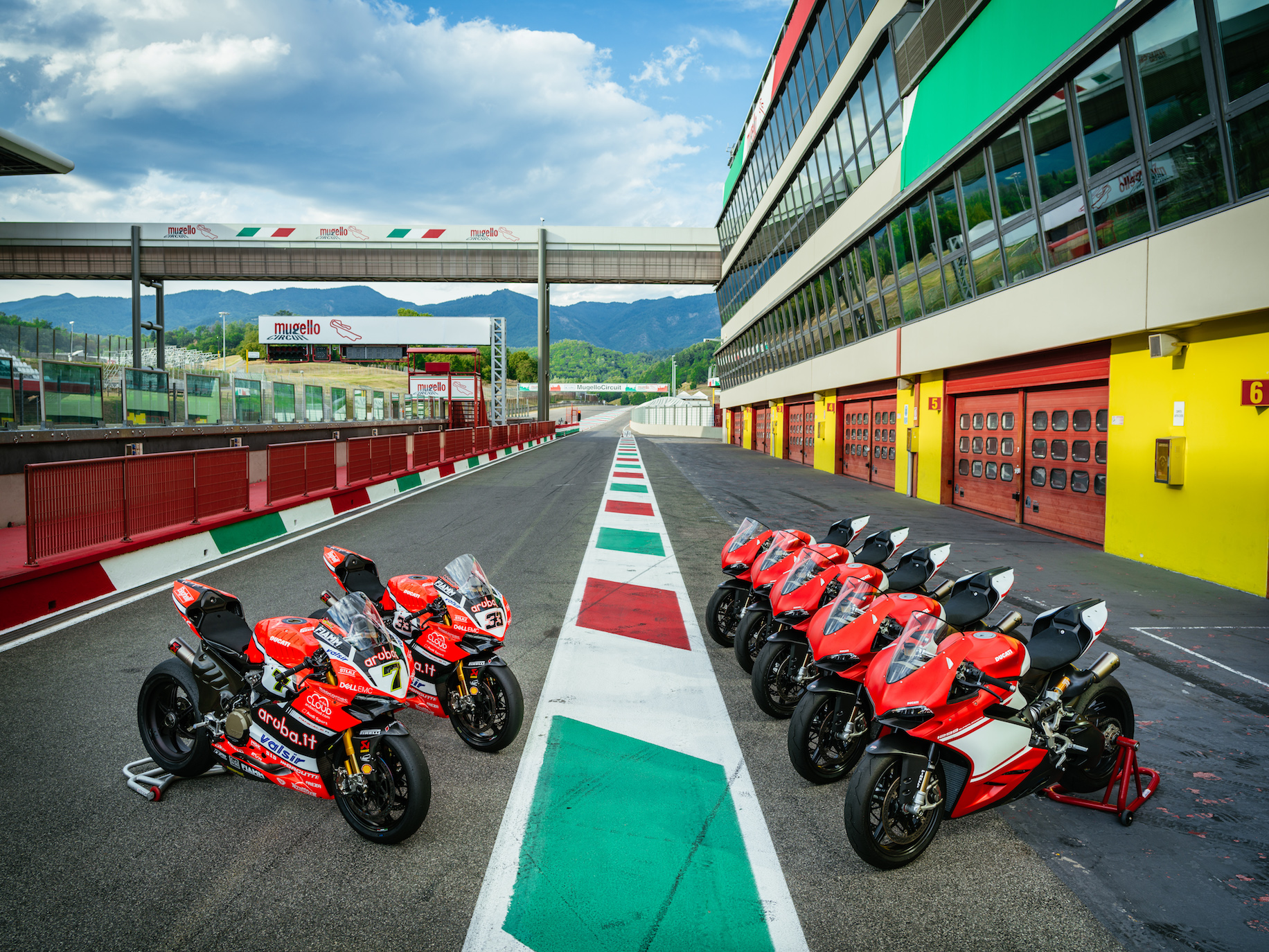 "Ducati Superleggera Superbike Experience: An Exclusive Event With ""official"" Desmodromic Thrills"