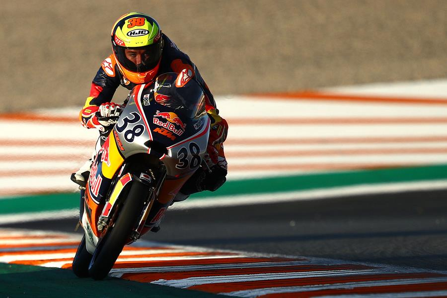 Salvador In Front When It Counted – Rookies Race 1 In Valencia