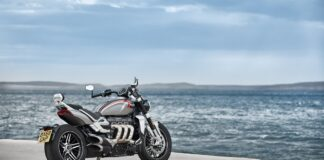 Triumph Rocket 3 Uses Avon Tyres' New Cobra Chrome Product