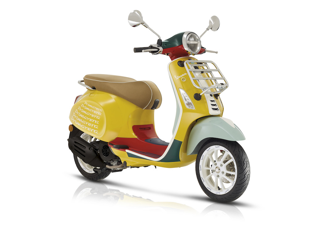Vespa Primavera Sean Wotherspoon Has Arrived To Colour The Show Rooms Across Italy