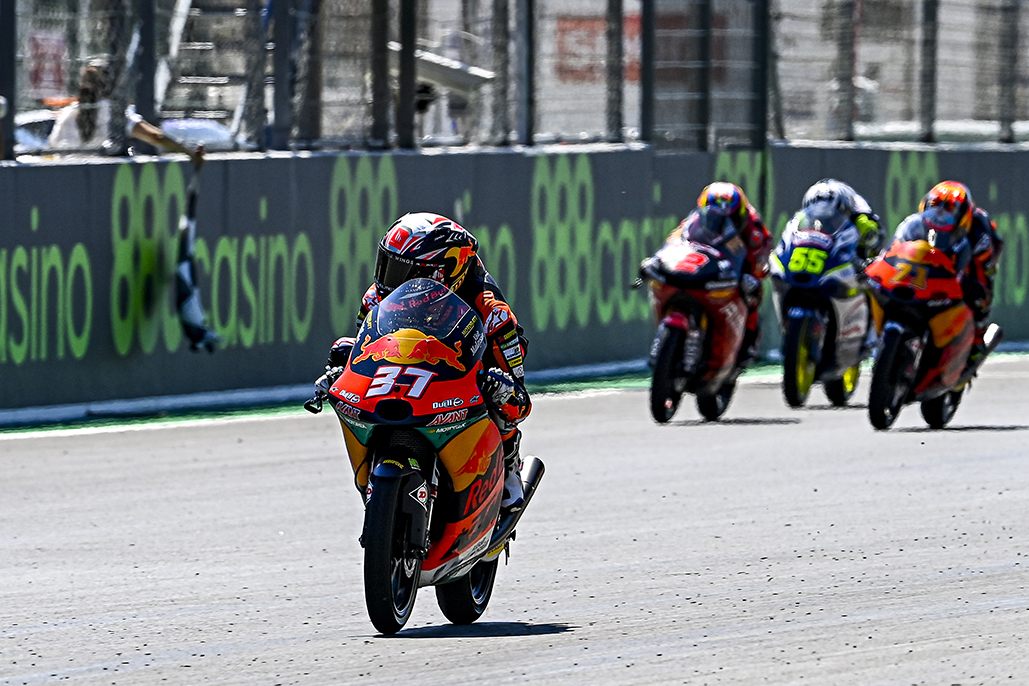 Acosta Ravages The Rollercoaster For Second Successive Win