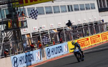 Aegerter Claims Race 1 Victory After Titanic Odendaal Battle