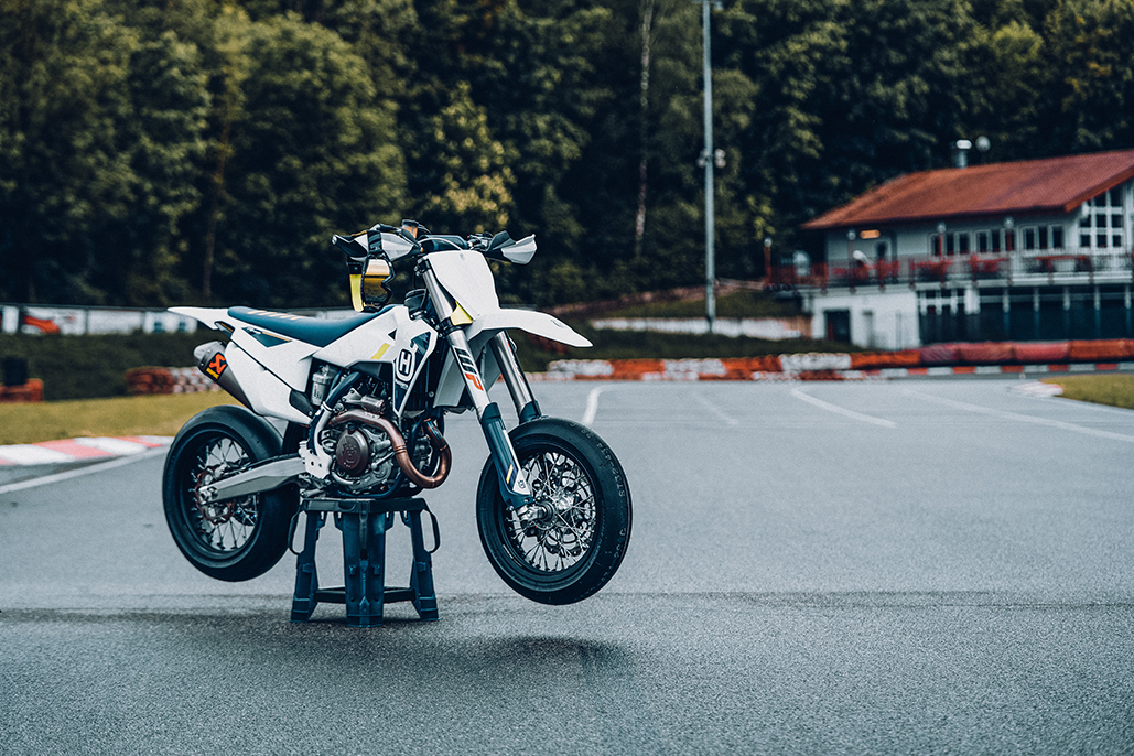 Built For Competition – Husqvarna Motorcycles Fs 450 Available Now