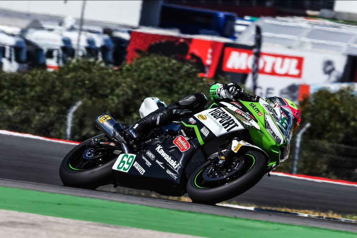 Booth-amos Bounces Back In Portimao To Top Day One Of Worldssp300 Running