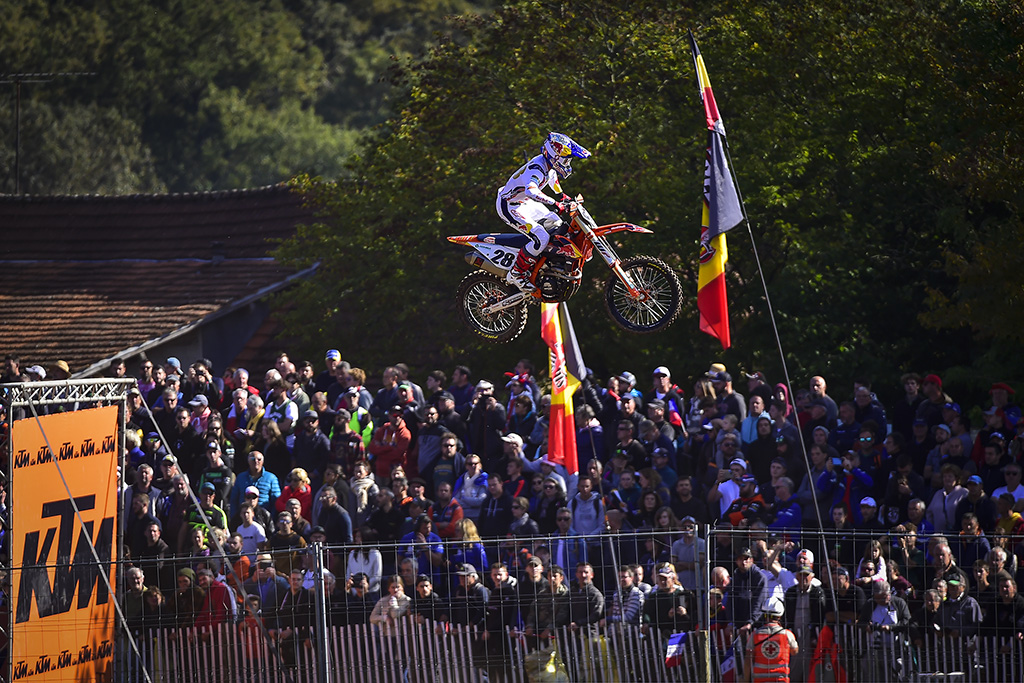 Herlings And Vialle Celebrate Overall Victories At The Mxgp Of France